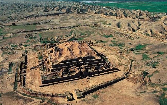 تغییر رنگ اشیای باستانی شوش در اثر تماس بازدیدکنندگان